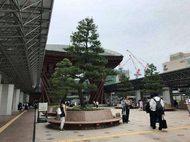 kanazawaeki0614.jpg